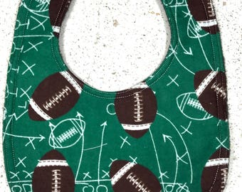 Football bib - Baby Bib - infant bib  - dribble bib - sports bib  - baby boy bib  - baby girl bib - baby shower gift - football - flannel