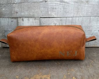Large Mens Toiletry Bag, Personalized Dopp Kit, Rustic Dopp Kit, Travel Bag, Groomsmen Gift, Leather Dopp Kit, Gift for Him, Cognac color