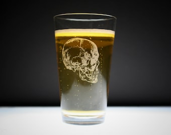 1 Skull Etched Pint Glass