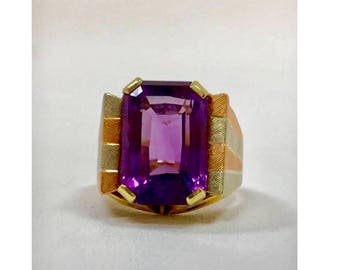 14k/585 marked multicolored gold and amethyst ring. Sz 8