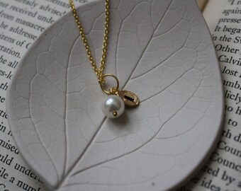 Beautiful Dainty Gold Leaf Necklace w Pearl - Bridesmaid - Best Friend - Gift - Wedding - Hand Stamped w/ the custom initial of your choice