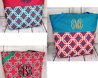 Monogrammed Tote/ Handbag / Bridesmaids/ Gift Idea!---HURRY---Almost Sold Out