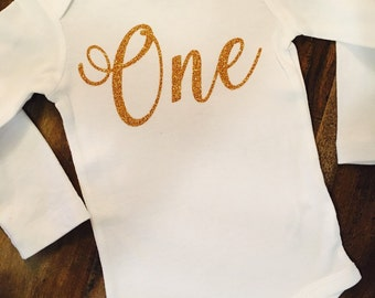 Gold Glitter Birthday Outfit // First Birthday Shirt // Age Birthday // First Birthday Outfit // One Year Birthday Outfit