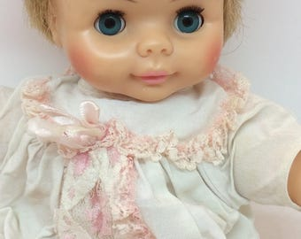 """Vintage 1970's Horsman doll baby's eyes close when she lies down 11"""" sweet baby with original outfit"""