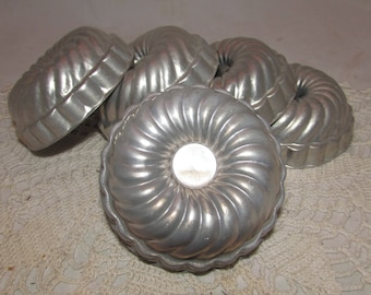 FIVE Vintage Aluminum Jello Cake Candle Soap Molds, Round Swirl Shape, kitchenware utensils, 60s