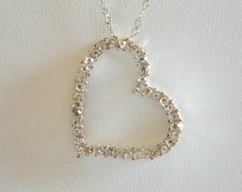 Silver Tone Heart Pendant & Chain Necklace