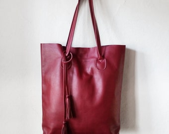 SALE / The Essential Tote in Cranberry / Leather Tote Bag  / Red Tote Bag  /Large Tote Bag /Women's Handbag / Red Tote / Red Leather Shopper
