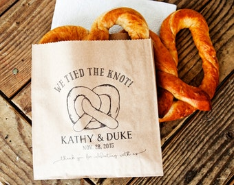 Pretzel Wedding Favor Bags - We Tied the Knot - Personalized Wedding Snack Bag - Soft Pretzel Favor - 20 Grease Resistant Bags