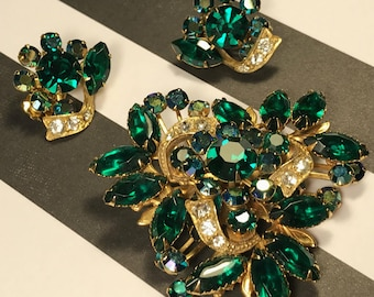 Gorgeous And Large Emerald Green Brooch And Earring Demi