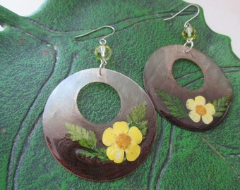 Flower Earrings, Yellow Flower BOHO Earrings, Shell Earrings, Dried Flower Botanical Jewelry, Light Weight Earrings, GOA, Hippie Earrings