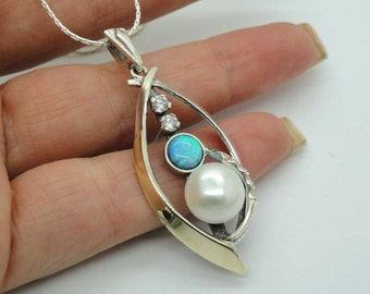 New Elegant 925 Sterling Silver 9K Yellow Gold Cz opal & Pearl pendant (sp2579)