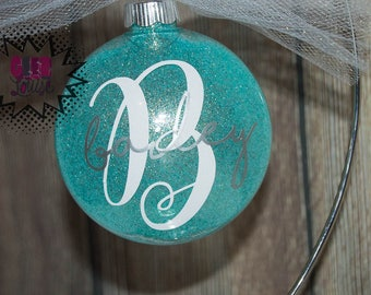 Personalized Ornament Handmade Plastic Disc Christmas Holidays Xmas Festive Decor Tree Name monogram initial mint