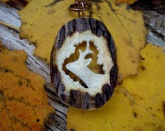 Roebuck keychain - Deer keychain - Roebuck necklace - Carved roebuck - Roebuck ornament - Deer ornament - Deer antler carving -