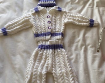 Babys aran pram suit
