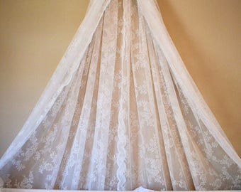 Lace Bed Crown Canopy