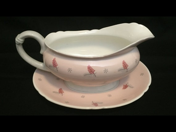 FREE SHIPPING-Very Rare-Fabulous-Pink-Mid Century-Shelley-Pattern Lyric-Made England-Fine Bone China-Gravy Boat With Underplate