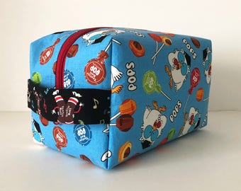 Makeup Bag. Large Waterproof Cosmetic Bag. Tootsie Pop and Roll Print Bag. Toiletry Bag. Zippered Bag.