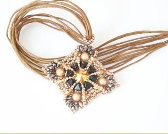 "Pendant ""Margherita"" rivoli setting, Swarovski Crystal, Kheops beads"