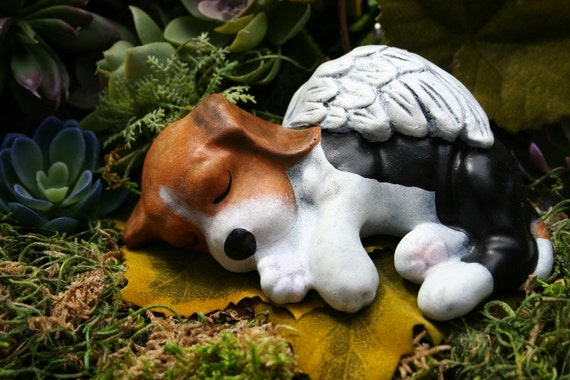 Wonderful Beagle Angel Statue Dog Angel Memorial Concrete Pet Marker