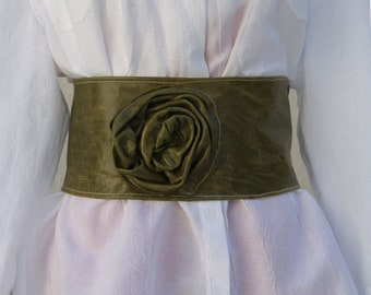 Distressed Green Leather Cinch Belt with Side Leather Rose