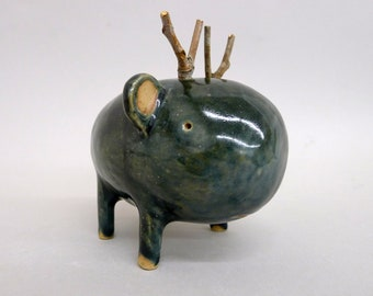 Small Ceramic sculpture called Moute #944