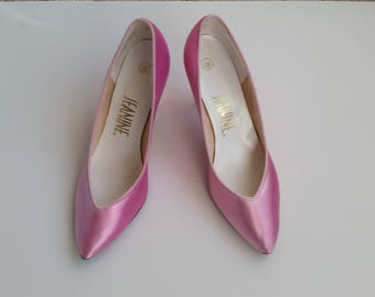"""1980s Pink Satin Pointed Toe Jeanine 6.5 M - 3"""" Pumps Heels"""