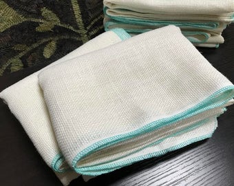 """Rug Hooking Linen - Super Soft Ivory with Serged Edges {1/4 Yard} 27"""" x 18"""""""