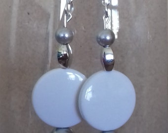 White and silver disc earrings
