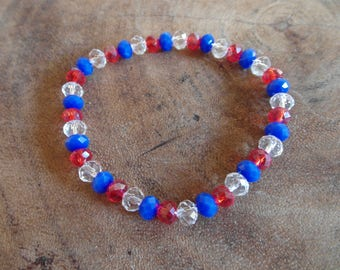 Bracelet in three colors red, transparent and blue