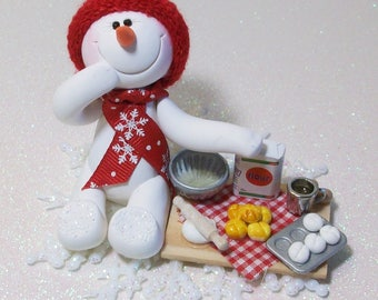 Ready to do some baking: Snowman ornament with snowflake base