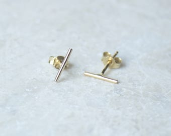 Minimal Line Earrings in 14K Gold