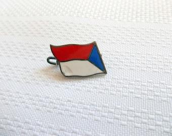 Czechoslovakia Pin, Czechoslovakia Flag pin, Enamelled Flag Pin, vintage Flag Pin,