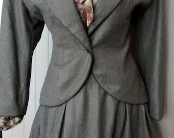 Designer vintage numbered Bernard Perris slate grey wool suit Paris haute couture sz 44