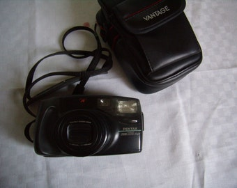 Pentax Zoom 105 Super, photography, Vintage 1990s camera with case