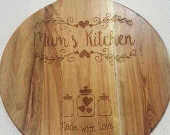 Decorative 'mum's kitchen' round wooden chopping board