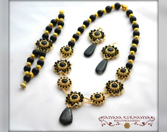 BLACK and GOLD handmade beaded necklace and bracelet set, jewelry set