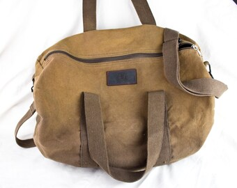 VTG DUFFLE BAG ϟ Slouchy Sturdy Handmade Medium Size Brown Duffle / Weekend Bag