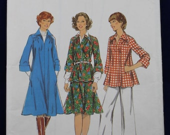Vintage Sewing Pattern for a Woman's Dress, Tunic & Skirt in Size 12 - Style 1040