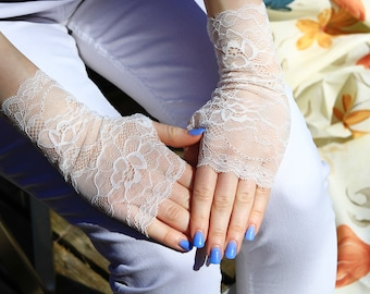 Lace Gloves in White , stretch lace, fingerless lace gloves, Bride, bridesmaid, gift for her.  Ready to ship.