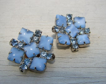 Blue sparkly rhinestones and glass clip on earrings.  Mid century classic square blue earrings.  Perfect for any outfit or occasion.