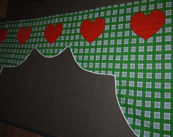 Valance -  Red Hearts - Checked Green / White - Sweden - Retro 1970