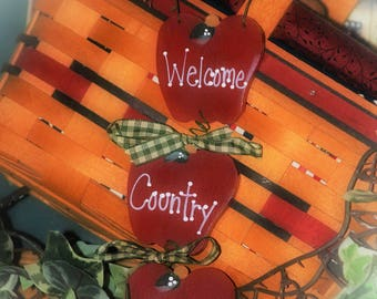 Apple Kitchen Decor Welcome Country Friends Wall Sign APPLES