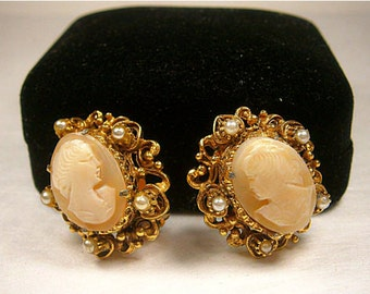 Vintage Cameo Clip-on Earrings, Gold Setting With Faux Pearls, Gold Tone Filigree