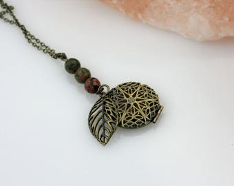 Leaf Essential Oil Necklace - Aromatherapy Necklace - Diffuser Necklace - Leaf Necklace - Tree Necklace - Earth Necklace - Nature Necklace