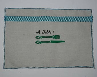 "set 2 place mats ""A Table!"" (green)"