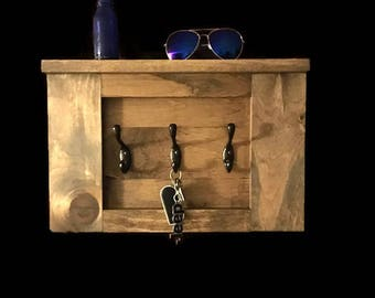 Wooden Hanging Key Rack with Shelf