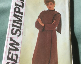 80s High Neck Coat Sewing Pattern - Style Pattern 3540 - Sizes 12 to 18 - Futuristic style loose coat with attached scarf.