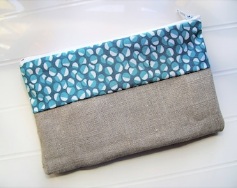 Pouch Makeup organizer or cosmetic case with linen