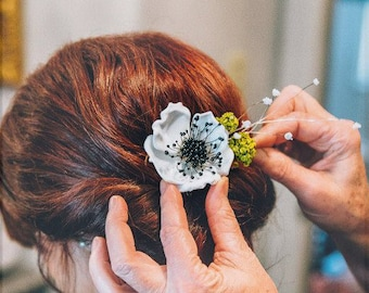 Hand Blown Glass Anemone Billy Ball and Baby's Breath Hair Piece