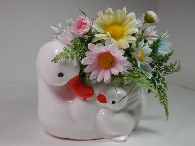 Small white ceramic duck duckling silk daisy flower zoom izmirmasajfo